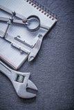 Конструкция c тетради разводного гаечного ключа верньерного масштаба рассекателя Стоковые Фото