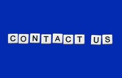 контактируйте почту позвоните по телефону нам Стоковое фото RF