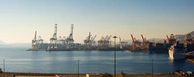 Контейнерный терминал Cosco стоковая фотография rf