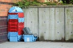 Контейнеры клетей вне склада Стоковая Фотография