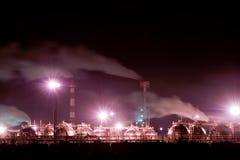 контейнеры наполняют газом промышленное Стоковая Фотография