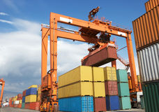 Контейнеры ar на гавани, перевозка Transportatio стоковые изображения rf