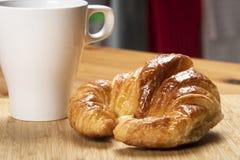 Континентальный завтрак на кухне Стоковые Изображения