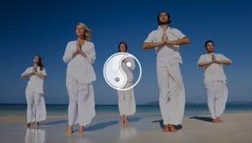 Контраст баланса Yin Yang напротив концепции культуры вероисповедания стоковые фото