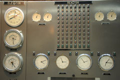 контролируйте комнату силы ядерной установки стоковые фото