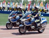 Контролеры дорожной полиции на мотоциклах BMW Стоковые Фото
