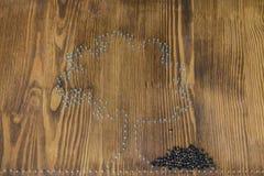 Контур дерева на деревянной доске Стоковые Фотографии RF