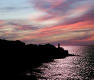 Контур побережья моря на заходе солнца. Сицилия, Италия Стоковые Изображения RF