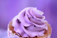 конусы шоколада предпосылки cream мороженое льда над белизной ванили клубники фисташки Стоковая Фотография RF