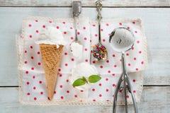Конус мороженого молока кокоса взгляд сверху Стоковые Изображения RF
