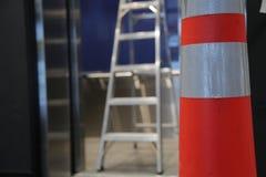 Конус дороги лестницы реновации концепции Стоковые Фото