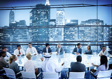 Конференц-зала переговора бизнесмены концепции команды работая Стоковые Фото