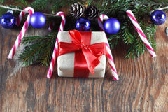 Конфета вставляет орнамент шарика рождества Стоковые Фотографии RF