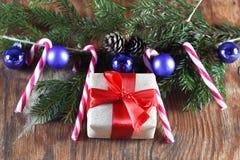 Конфета вставляет орнамент шарика рождества Стоковое Изображение RF