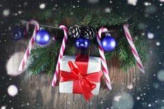 Конфета вставляет орнамент шарика рождества Стоковые Изображения