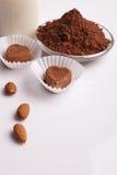 Конфета на белой предпосылке, состав шоколада в форме сердц шоколада Стоковая Фотография