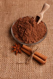 Конфета на деревенской предпосылке, состав шоколада в форме сердц шоколада Стоковые Изображения