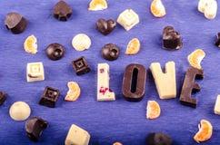Конфета шоколада белая и черная, сердце, диаграммы Стоковые Изображения