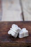 Конфеты белого шоколада handmade в форме бабочки Стоковая Фотография RF