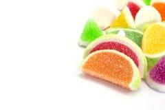 Конфеты конфеты студня в плите на предпосылке Стоковые Изображения RF