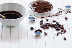 Конфеты шоколада от незрелого какао фасолей Стоковые Фото