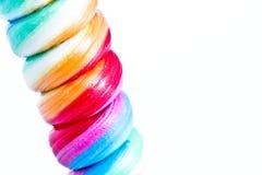 Конфеты Lollipop Twirl радуги, крупный план Стоковые Изображения