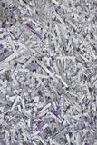 конфиденциальные документы завертывают в бумагу shredded стоковые изображения