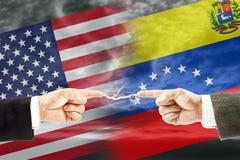 Конфронтация и вражда между Соединенными Штатами Америки и Венесуэлой стоковое фото rf