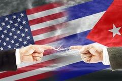 Конфронтация и вражда между Соединенными Штатами Америки и Кубой стоковая фотография rf
