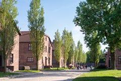 КОНЦЕНТРАЦИОННЫЙ ЛАГЕРЬ AUSCHWITZ-BIRKENAU, ПОЛЬША - ИЮНЬ 2017: Концентрационный лагерь Освенцим в Польше E стоковое фото