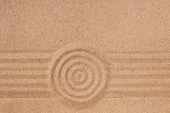 Концентрический круг и линии на песке Текстура песка Стоковые Фото