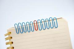 Концепции на бумажных щелчках любят работники и руководители Стоковое Изображение RF
