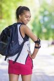 Концепции образа жизни Портрет счастливого положительного Афро-американского девочка-подростка Стоковая Фотография