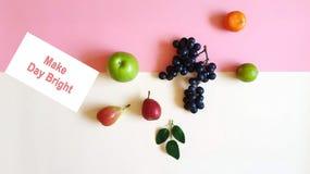 Концепции предпосылки мандарина Яблока цитруса виноградины плодов ед стоковые изображения rf