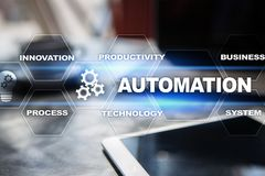 Концепция автоматизации как нововведение, улучшая урожайность, надежность в технологии и бизнес-процессы стоковое фото rf