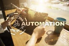 Концепция автоматизации как нововведение, улучшая урожайность, надежность и повторимость в технологии и деле стоковые фото