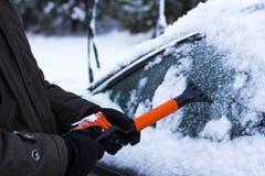 Концепция автомобиля, зимы, людей и корабля Стоковое фото RF