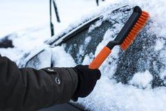 Концепция автомобиля, зимы, людей и корабля Стоковые Фото