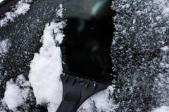 Концепция автомобиля, зимы, людей и корабля Стоковые Фотографии RF