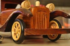Концепция автомобиля сделанная старого типа древесины стоковое фото rf