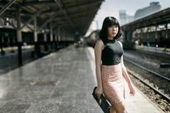 Концепция азиатской девушки стиля этничности милой милой женская молодая стоковое фото