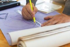 Концепция архитектора, архитекторы работая с светокопиями Стоковые Фото