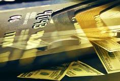 Концепция банкнот кредитных карточек и доллара конца-вверх для коммерции Стоковые Изображения RF