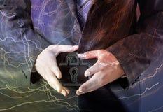 Концепция безопасностью - знак бизнесмена и padlock Стоковые Фотографии RF