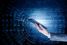 Концепция беспроводной связи и новой технологии Мультимедиа Мультимедиа Стоковое Фото