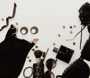 Концепция блоггера и моды Комплект блестящих стильных аксессуаров женщины Стоковые Фотографии RF