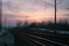 Концепция вечера дороги нерезкости железнодорожная Стоковая Фотография