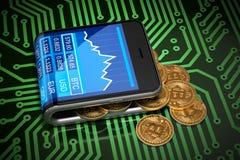 Концепция виртуального бумажника и Bitcoins на зеленой плате с печатным монтажом Стоковое Фото