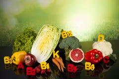 Концепция витамина фитнеса, свежий фрукт и овощ Стоковая Фотография