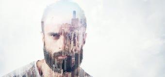 Концепция двойной экспозиции с бородатым человеком широко Стоковые Изображения RF